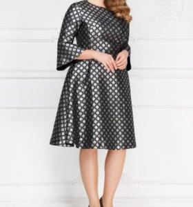 Платье серебристое ноаое