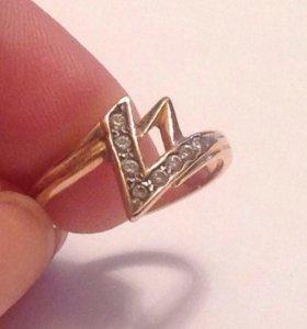Кольцо с бриллиантами из золота 585