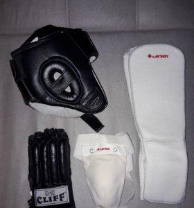 Шлем,перчатки,защита ног,защита паха