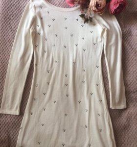 Тонкий свитер-платье
