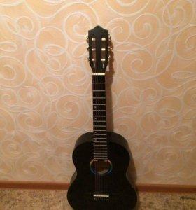 Акустическая шестиструнная гитара+чехол к ней