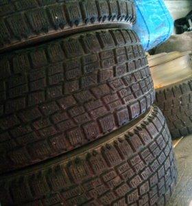 Bridgestone Blizzak Studless