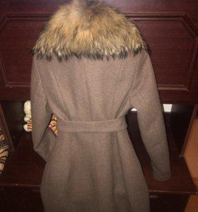 Пальто с мехом 42 размер