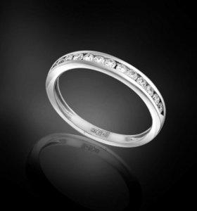 Женское кольцо с бриллиантами