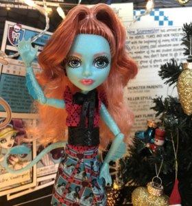 Кукла Monster High Монстер Хай Лорна Макнесси