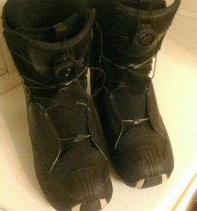 Сноубордические ботинки с автозатяжкой размер 30