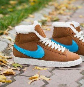 Зимние женские кроссовки