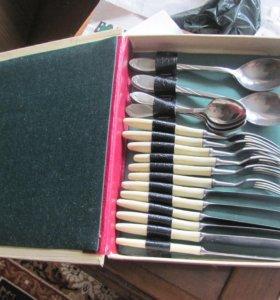 набор ложки, вилки, ножи