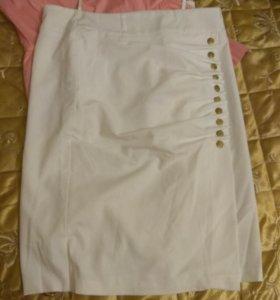 Элегантная женская юбка,с разрезом .