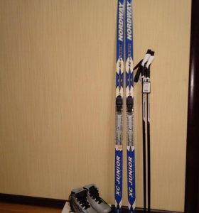 Новые: Лыжи, Палки, Ботинки р.32 (комплект)