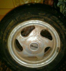 Продам Литьё с резиной 4 колеса