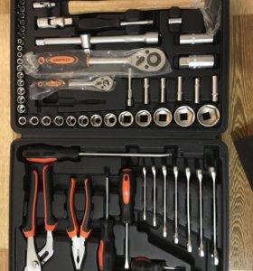 Набор инструментов автомобильный или домой
