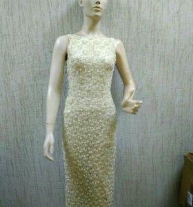 Платье золотое расшитое бисером