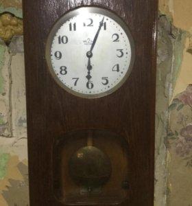 Часы-Москва