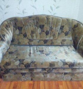 Продаю диван и кресла