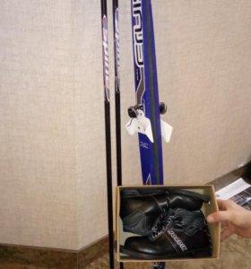 Комплект детских лыж, с ботинками
