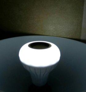 Лампа блютуз с динамикам