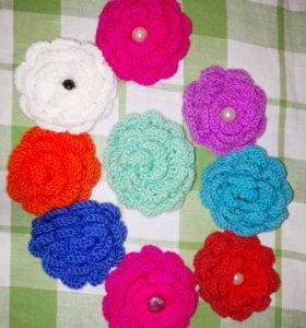 Брошки вязанные цветочки