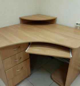 Компьютерный угловой письменный стол