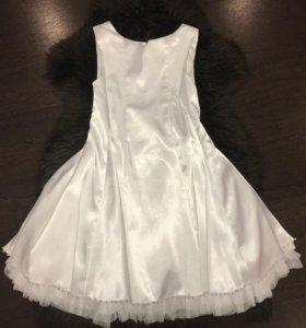 Платье новое нарядное атласное