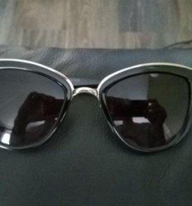 Солнцезащитные женские очки. новые