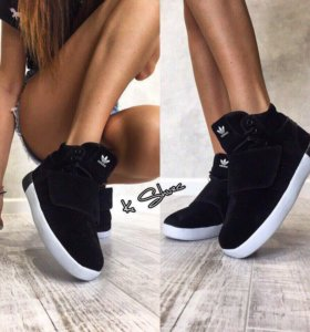 Зимние кроссовки новые