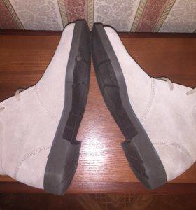 Новые замшевые ботинки Rockport