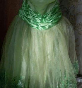 Платье на выпускной пышное.