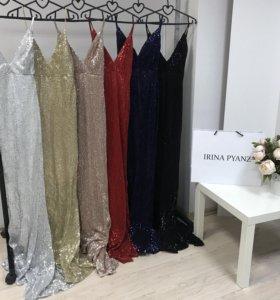 Вечернее платье с пайетками jovani