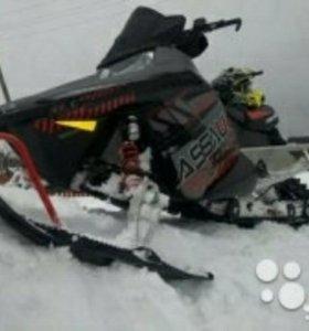 Снегоход Polaris Assault Switchback