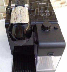 Кофеварка капсульная с капучинатором Nespresso