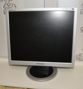 Монитор Samsung SyncMaster 913N