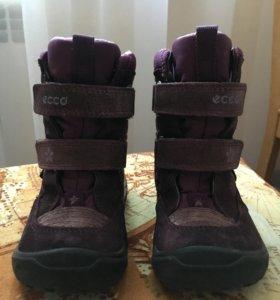 Продам детские ботинки еcco 23 размера