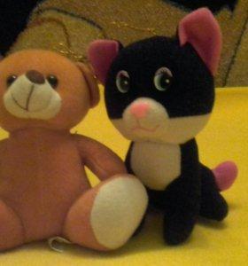 Мягкие игрушки медведь и кот