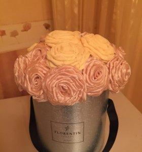 Букет роз в коробке из органзы