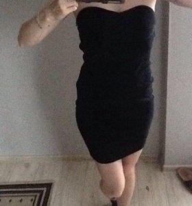 Маленькое чёрное платье силуэт