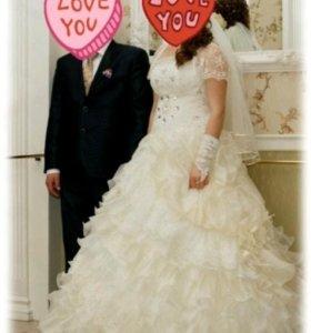 Продаю шикарное свадебное платье!