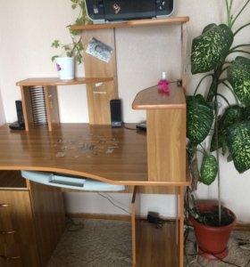 Продам стол торг