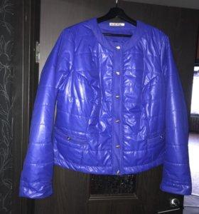 Куртка женская. Новая. Размер 54