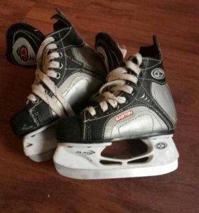 Коньки хоккейные Easton (р-р 10)