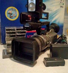 Видеокамера SONY DCR - VX2100E