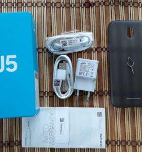 Смартфон Samsung Galaxy J5 (2017) J530 16 ГБ