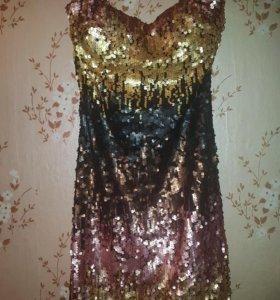 Платье с пайетками 42 р-р