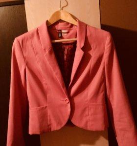 Пиджак женский стильный