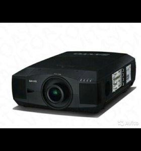 Видеопроектор Sanyo PLC-XF 42