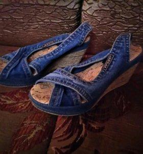 Босоножки женские джинсовые