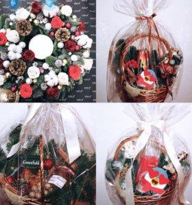 Венки корзинки с подарками на новый 2018 год