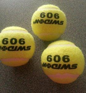 Новые теннисные мячи (набор из 3 шт)