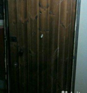 Входная металлическая дверь б/у. Бесплатно.
