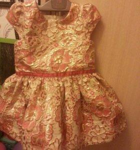 Платье на девочку 2-3года праздничное